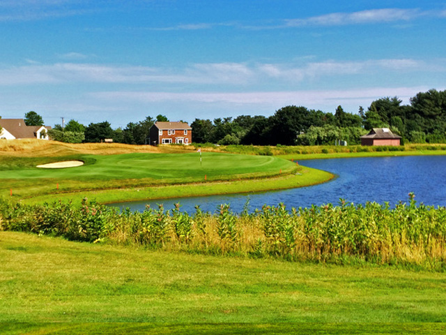 Certainly One Of The Signature Holes At Newport National Golf Club Is The Par-3 13th. (Mike Bailey/Golf Advisor)