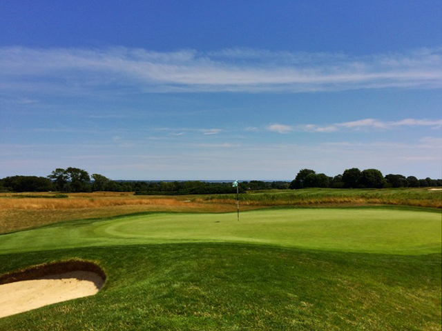 The Fifth Hole At Newport National Golf Club Is A Short Risk-reward Par 4. (Mike Bailey/Golf Advisor)